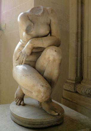 2 - Crouching Aphrodite Louvre